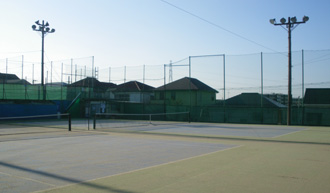 ワールドテニススクールのレンタルテニスコートについて